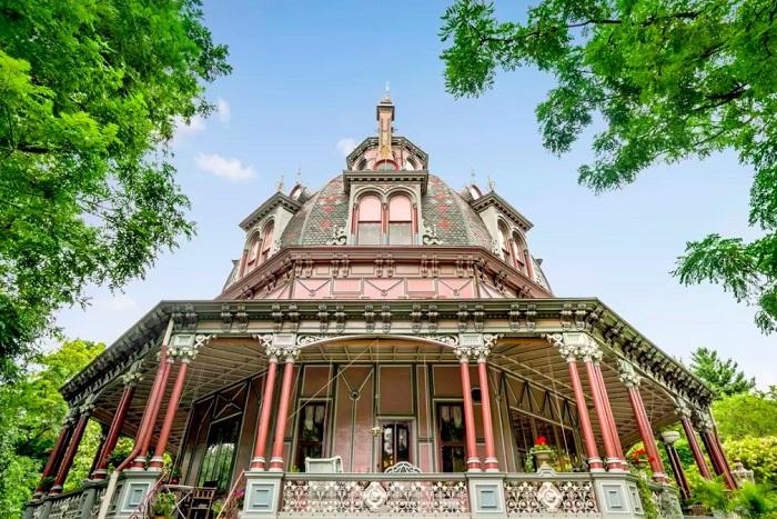 Кукольный» дом в натуральную величину. | Фото: messynessychic.com.