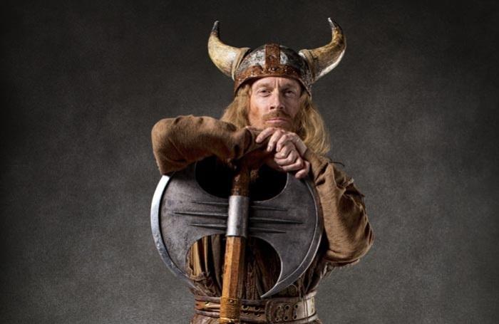 Считается, что викинги носили шлемы с рогами. | Фото: voobsheto.net.