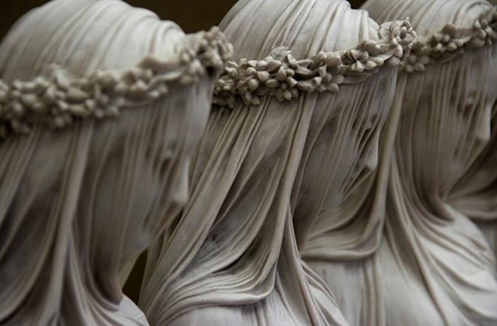 «Мраморная вуаль». Рафаэль Монти, 1847 год.   Фото: cs616224.vk.me.
