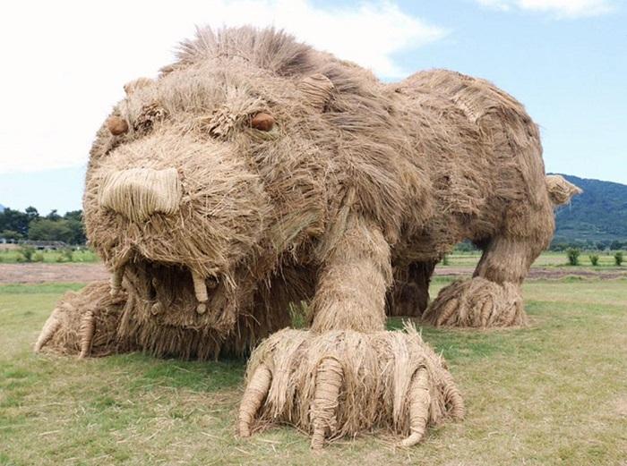 """""""Wara Art Matsuri - фестиваль скульптур из рисовой соломы."""