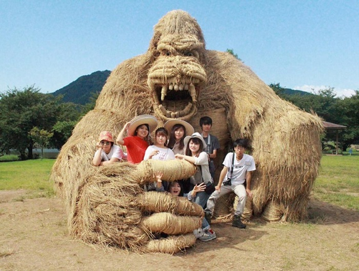 Wara Art Matsuri - фестиваль скульптур из рисовой соломы.
