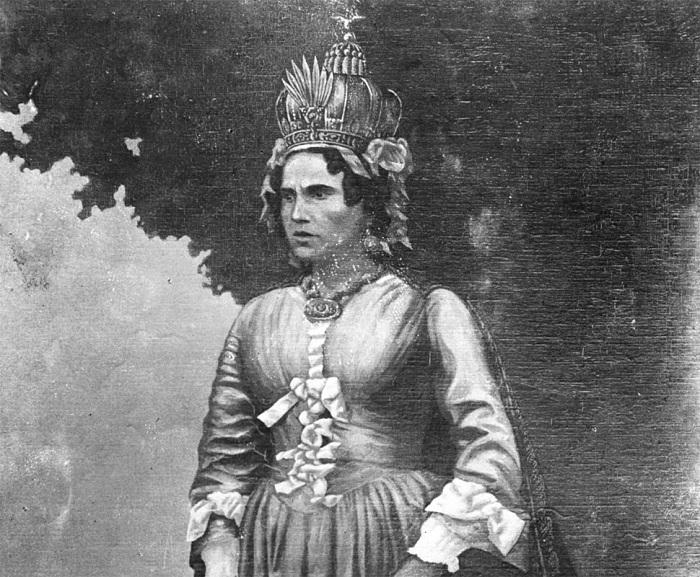 Ранавалуна I очень любила носить французские платья. | Фото: i.wp.pl.