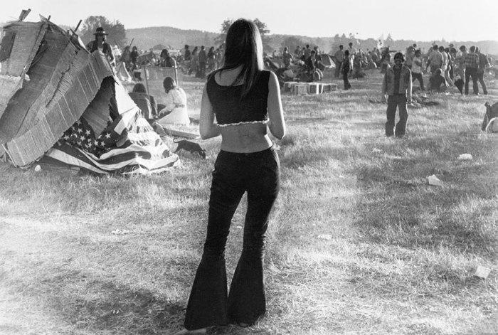 Рок-фестивале Woodstock приняло участие свыше полумиллиона человек.