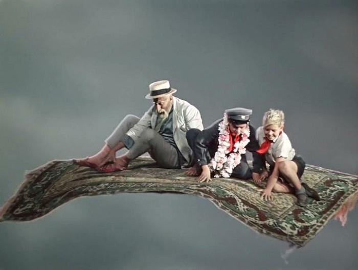 Сцена полета на ковре-самолете. | Фото: free-war.net.