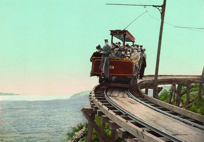 Mount Lowe Railway - железная дорога, построенная на юге Калифорнии в конце 19 века.