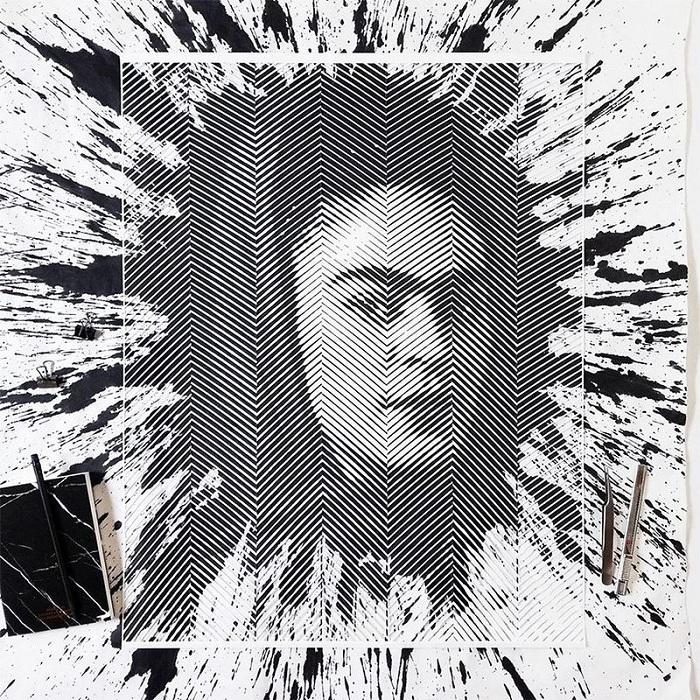Портрет Фриды Кало, вырезанный из бумаги.