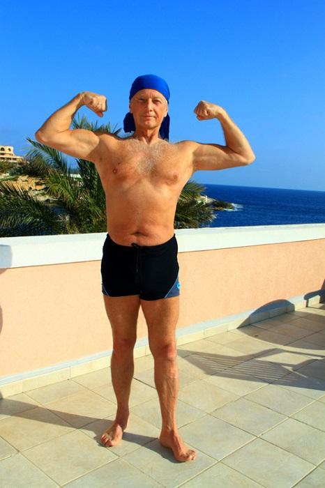 сатирик Михаил Задорнов всегда был в прекрасной физической форме. | Фото: img11.nnm.me.