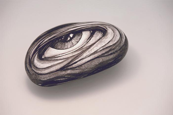 Рисунки на камнях от DZO Olivier.