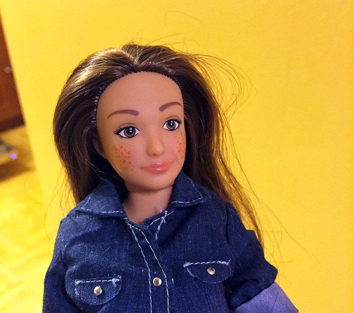 Кукла Барби с нормальными пропорциями.