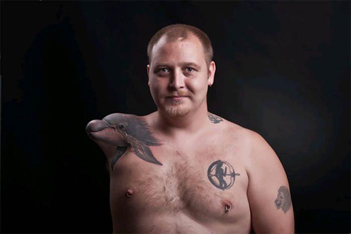 Удивительно реалистичная татуировка.