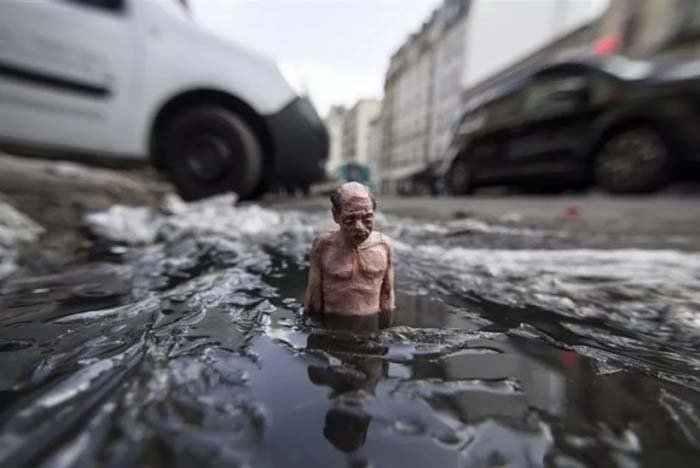 Скульптуры на тему глобального потепления.