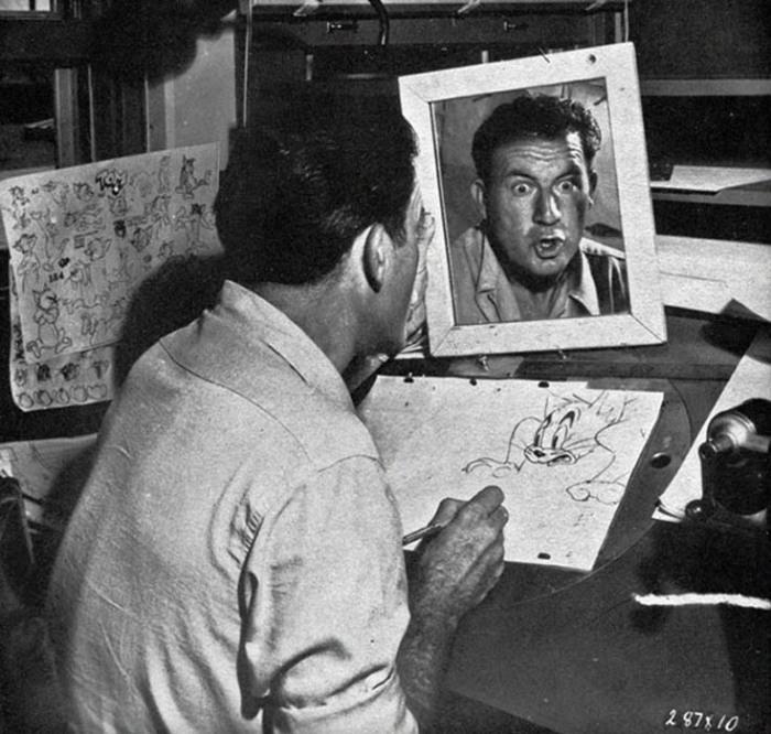 Художники-аниматоры создают персонажей.