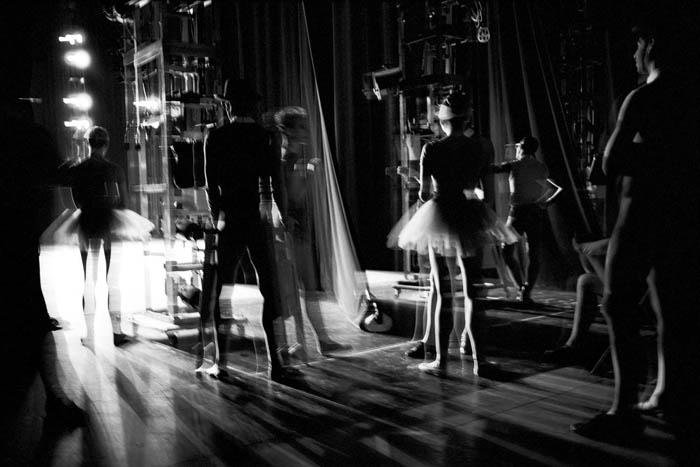 Фото балерин на репетициях.