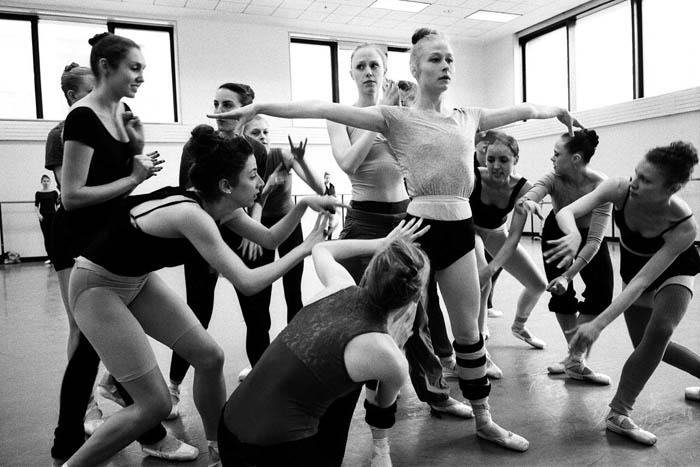 Съемки балерин на репетициях.