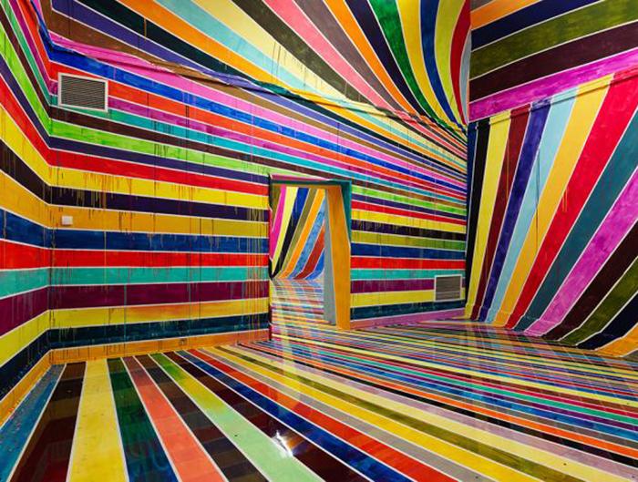 Радужная инсталляция от Markus Linnenbrink.