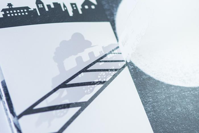 Иллюстрации, построенные на игре света и тени.