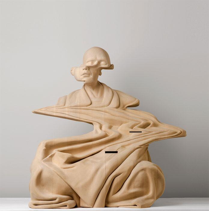 Искаженные деревянные скульптуры.