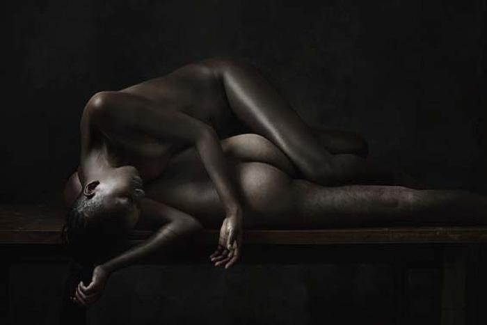 *Дом*. Натюрморт из обнаженных тел. Автор: Olivier Valsecchi.