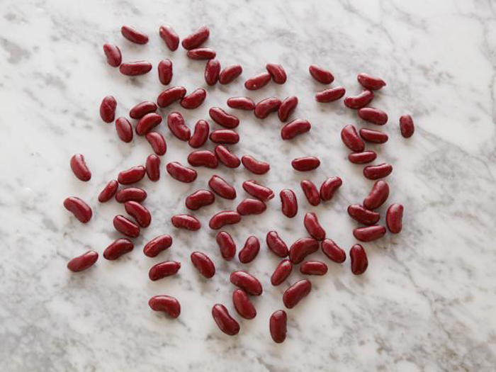 82 красные фасолины (приготовленные) содержат 100 калорий.