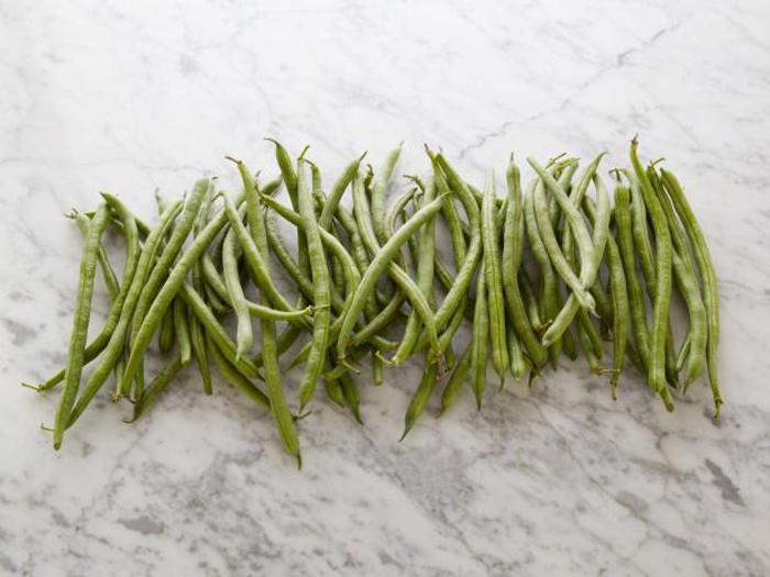 60 сырых стручков зеленой фасоли = 100 калорий.