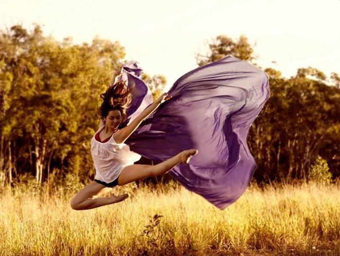 Красота танца на автопортретах Ингрид Эндель.