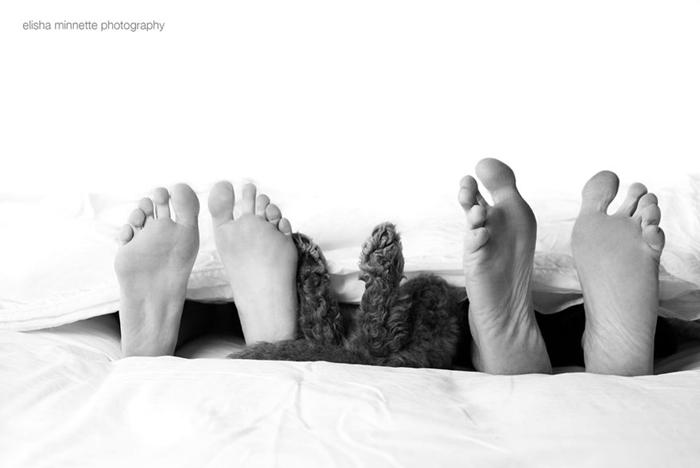Устав от вопросов *Когда заведете детей?*, Эбби и Мэтт сделали необычную фотосессию.