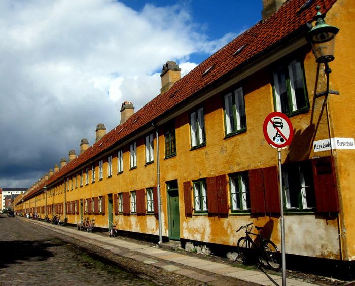 Желтые дома для моряков Нюбодер.