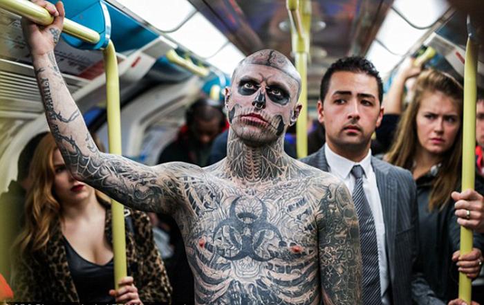 Самый татуированный человек в мире.