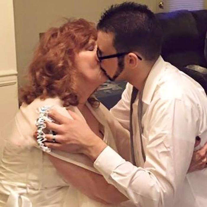 Гари и Альмеда утверждают, что это была любовь с первого взгляда.