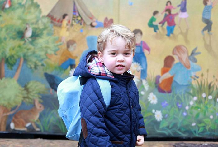 Принц Джордж по дороге в садик Монтессори. Это был первый день, когда Джордж отправился в садик.