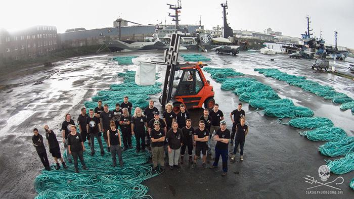 Рыболовные сети браконьеров, выловленные командой The Sea Shepherds.