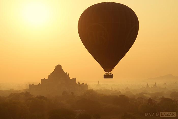 Воздушный шар над Баганом.