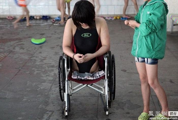 Чтобы научиться плавать, Киан пришлось усердно заниматься несколько лет.
