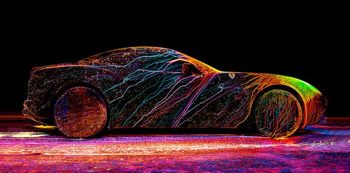 Необычный дизайн автомобиля для рекламной кампании.