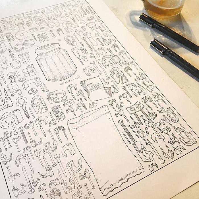 Листы бумаги, покрытые зарисовками инструментов.