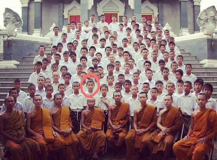 В 11 лет родители отдали Фаджараната в буддийский монастырь.