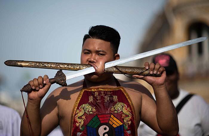 «Масонгам» не разрешаются никакие физические удовольствия ни во время, ни накануне фестиваля.