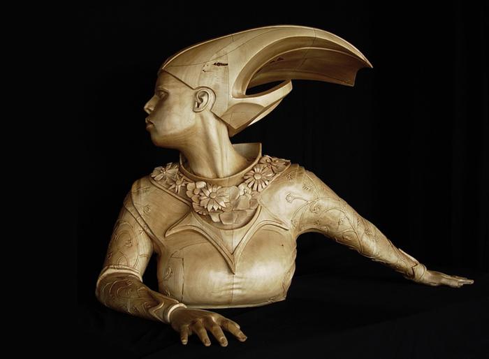 Королева. Скульптор: Stefanie Rocknak.