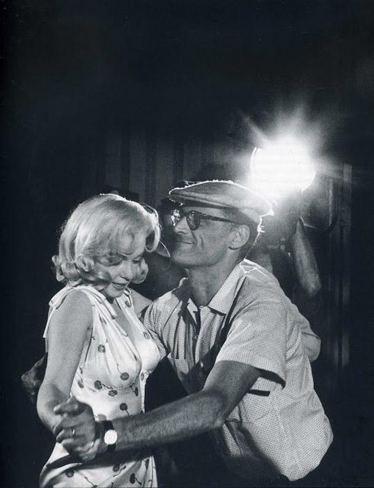 Съемки фильма *Неприкаянные* (1961).  Автор фото: Eve Arnold.