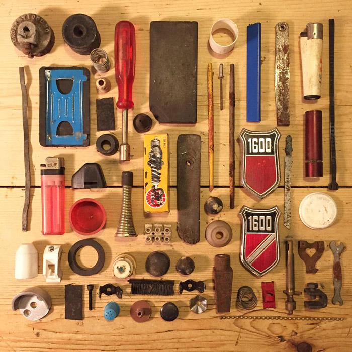 Инструменты, хранящиеся в дедушкином сарае.