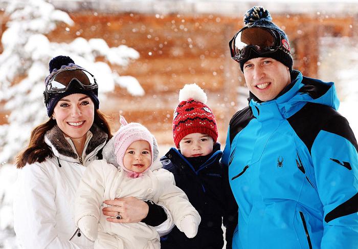 Уильям и Кейт со своими детьми во время короткого путешествия во французские Альпы, 2016 г.