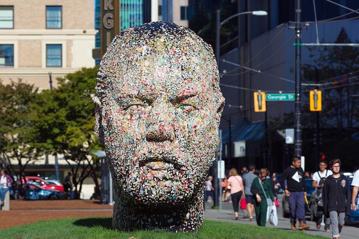 Gumhead. Cкульптура Дуга Купленда.