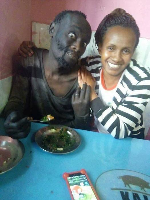 Ванджа отвела Патрика к себе домой и накормила его домашней едой.