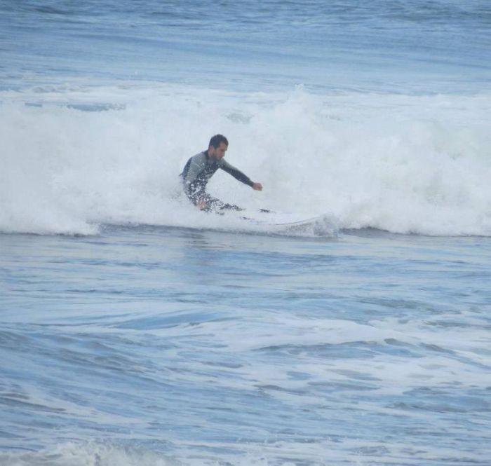 Более того, Temur Dadiani покоряет волны, занимаясь виндсерфингом.