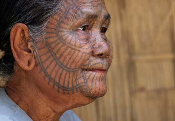 Татуировка-паутина. Фото: Eric Lafforgue.
