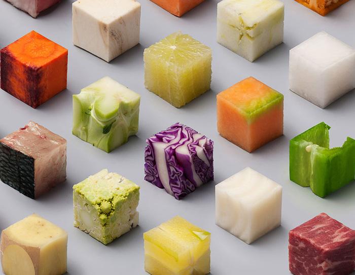 Несмотря на изменение формы, почти все кубики еды узнаваемы.