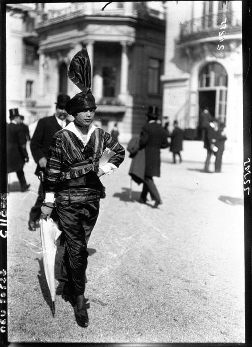 Мода на улицах Парижа 1914г.