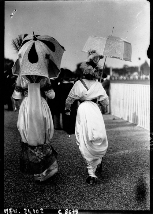Восточные мотивы в нарядах женщин 1912г.