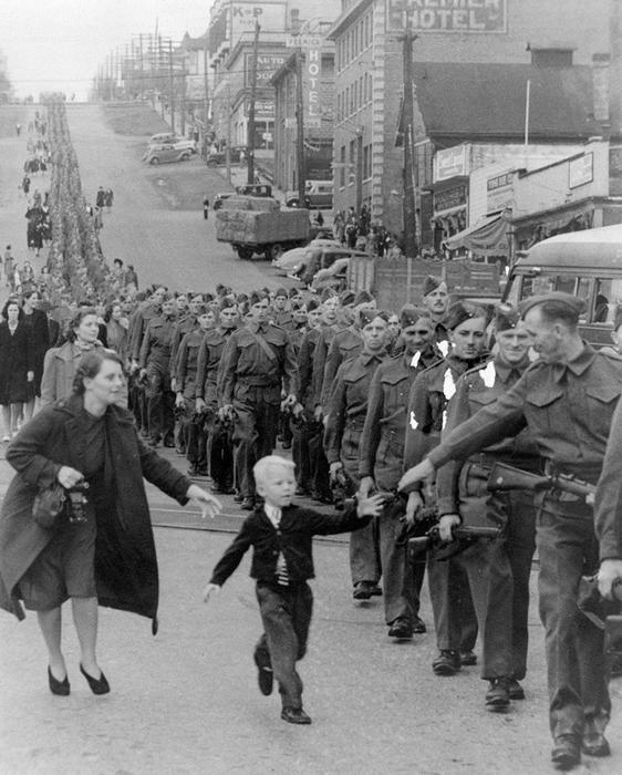 Фото: Claud Detloff. Нью-Уэстминистер, Канада, 1 октября 1940 года.