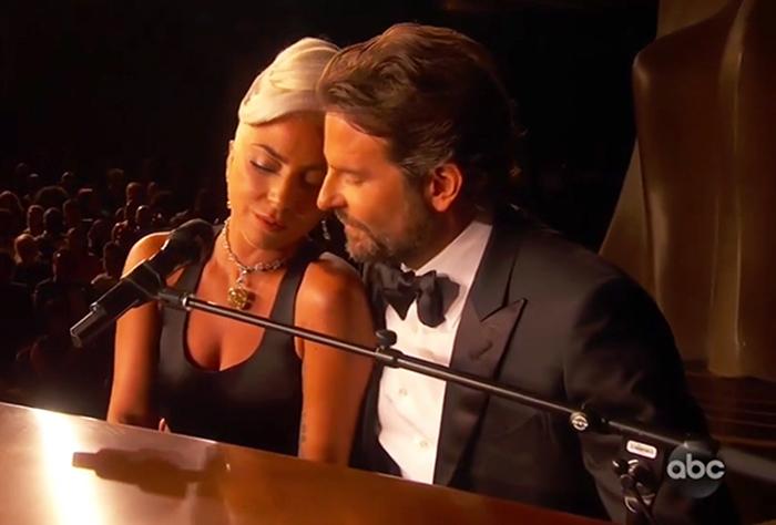 Леди Гага и Бредли Купер.